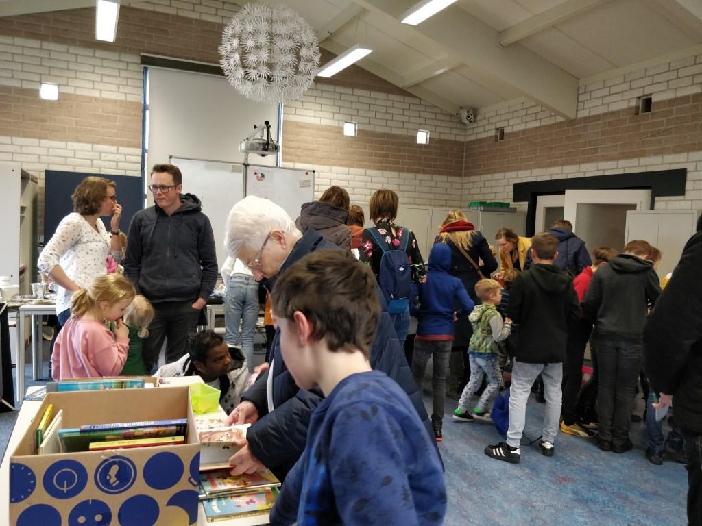 Rommelmarkt basisschool de Wonderwijzer Alet van Eijk © BDU media