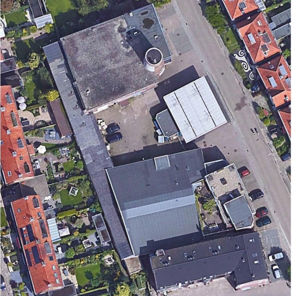 Hier is goed te zien hoe de molen is geïntegreerd in de bestaande bebouwing Van Wanrooij www.molenweg22-30.nl © BDU media