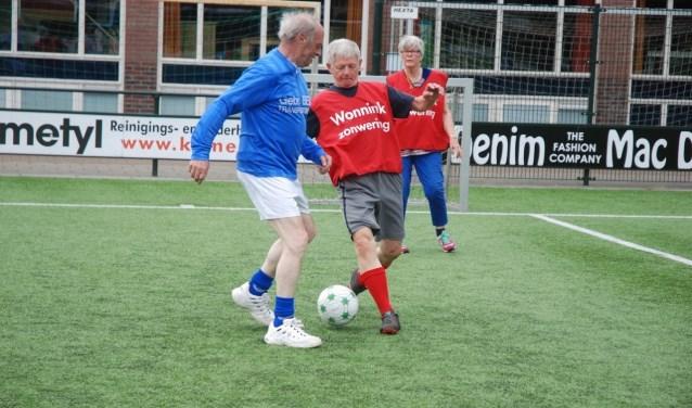 Walking football gaat zich vanaf maart uitspreiden over heel Soest.