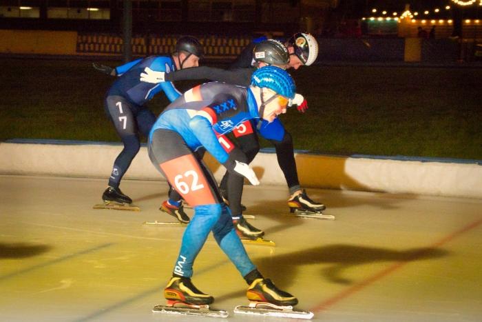 Finish M2 met Gijs de Nooij (3) en Jan-Willem Meijer (5).