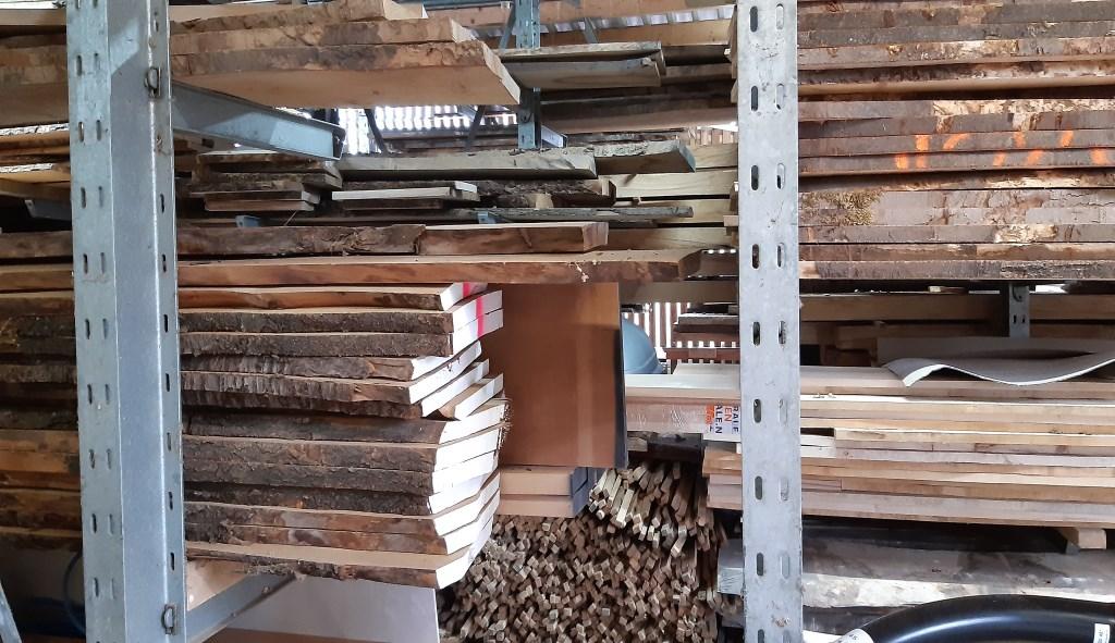 Voorraad hout van meubelmaker De Schrijn Kuun Jenniskens © BDU media