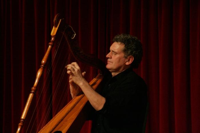 Harpist Didier Kugel