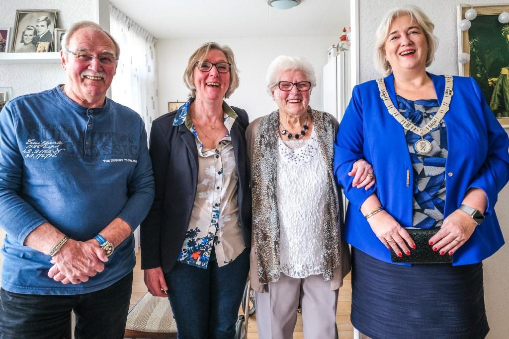 Mevrouw Grietje Jannetje Voogel-Bakx 103 jaar Jan Aukus © BDU media