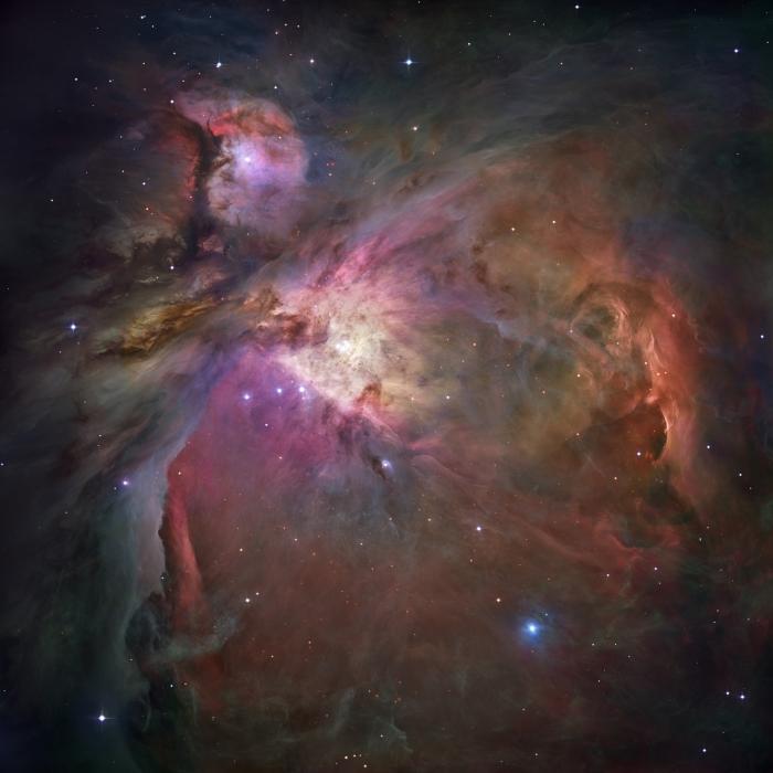 De rode kleuren van gasnevels zoals in de Orionnevel (hier te zien) vertellen ons dat daar sterren worden geboren! Hoe? Dat leer je in de cursus.