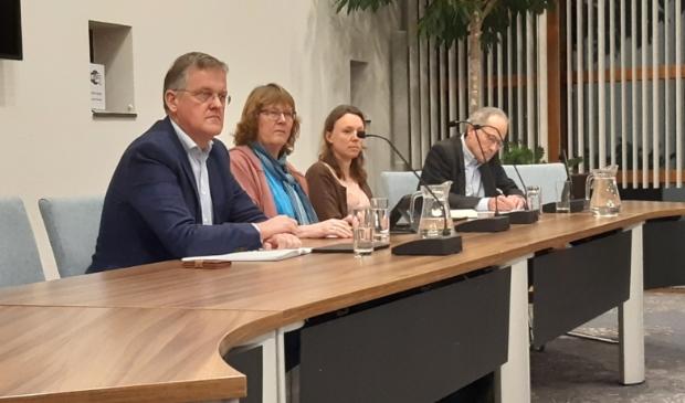 <p>Afgevaardigden van de vier Bunnikse partijen die vanavond het woord zullen voeren, met links vooraan Frans Pouw (archief 2019)</p>