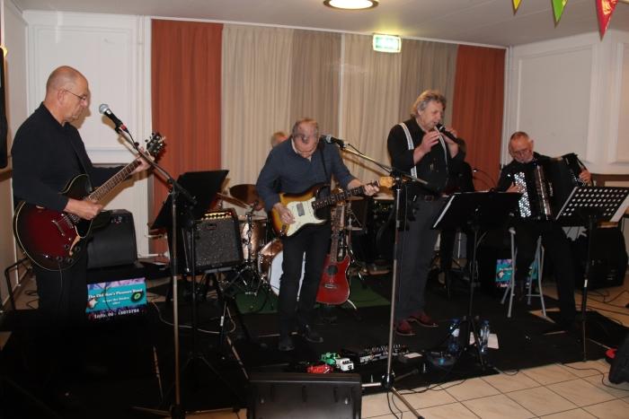 The Old Man's Pleasure Band in actie tijdens het Agatha-feest. 21 maart staat deze band op de planken in de Rank