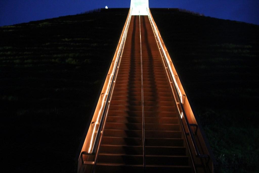 Met lichtslangen was de trap naar boven uitgelicht Hannie van de Veen © BDU media