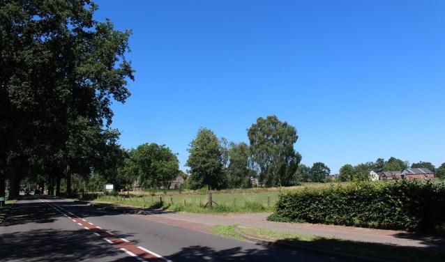 De locatie waar de nieuwe kruising en toerit tot Hoevelaar 1 en 2 komt.
