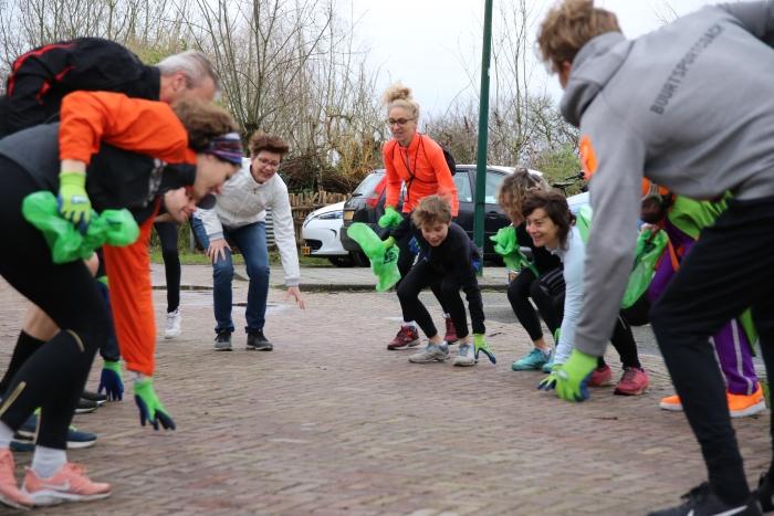 Troeptrimmers doen een opruimrondje AppelenEelman © BDU media