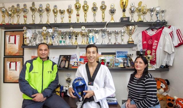 Richard Molle, Milan Molle en Gea van Dijkhuizen zijn een Taekwondo-gezin en dag en nacht met de sport bezig.