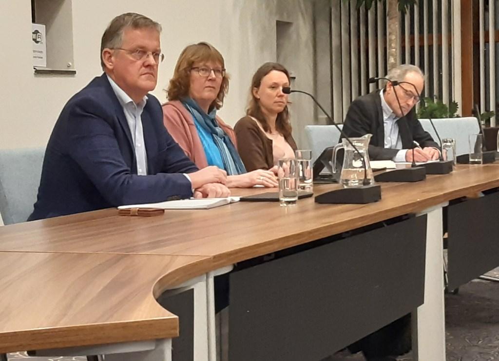 Frans Pouw (Liberalen), Leny Visser (CDA), Inge Verhoef (P21) en Ralph Hallo (BB) Kuun Jenniskens © BDU media