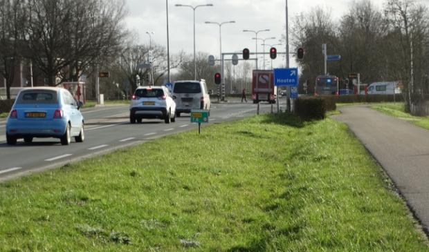 Kruispunt bij Odijk met de N229 afslag naar Houten via de Burgweg
