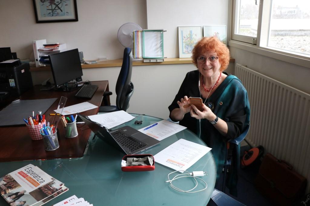 Clara Overes organiseerde de actie, samen met Riet Verbeek, en deed zelf ook mee. Renée Heijmans © BDU media