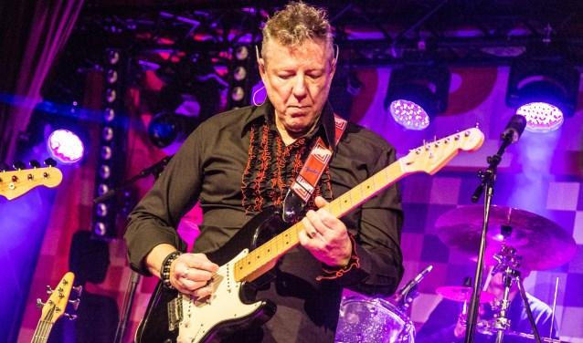 Gitarist en verteller Michel Ramselaar schreef met Jan Heijnders een muziektheater waarmee hun band Ronno en de Spiderz de bühne op gaat.