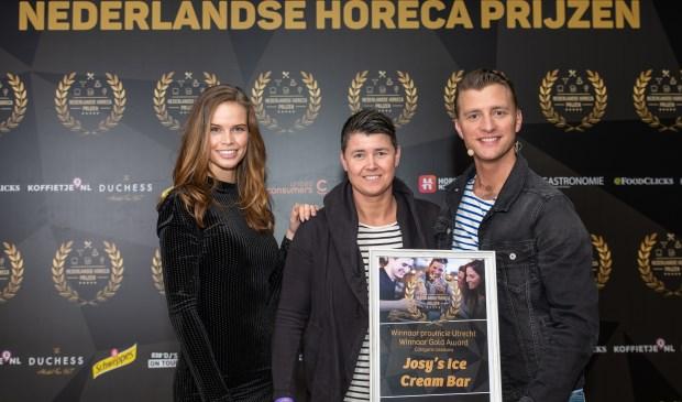Tijdens de Awards uitreiking konden de gemeente- en provinciewinnaars zich laten huldigen door Jan Versteegh en Kim Kötter.