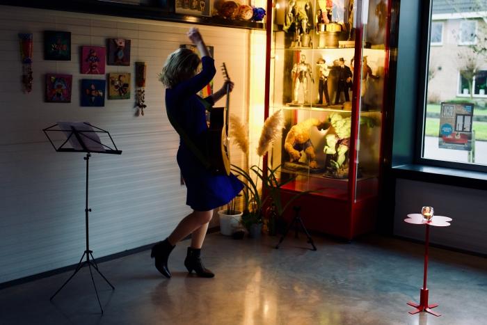 De Russischtalige liedjes zijn zijn een uitlaatklep voor Actrice Ksenia Marasanova  Roy van Veen  © BDU Media
