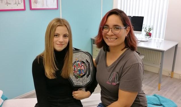 Lucianna met haar trofee