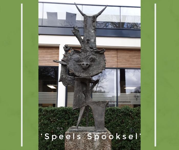 Beeld van kunstenaar Theo van der Nahmer 'Speels Spooksel'