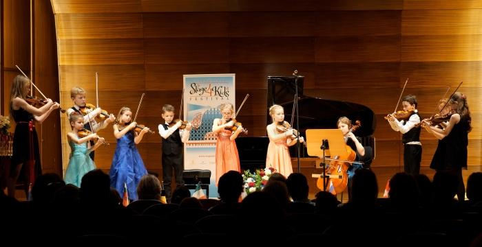VioolLab Strings op treedt op in Hamburg op internationaal muziekconcours