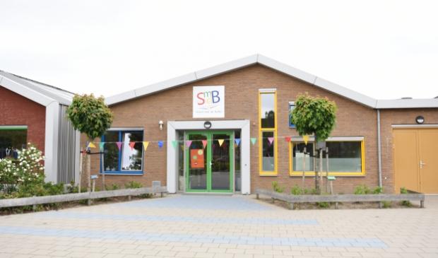 <p>De School met de Bijbel is gesloten omdat 7 van de 15 personeelsleden positief getest werd op corona</p>