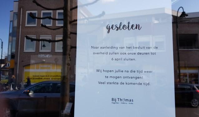 Scholen, horeca en sportclubs in Nederland zijn op last van de regering gesloten in de strijd tegen het coronavirus.
