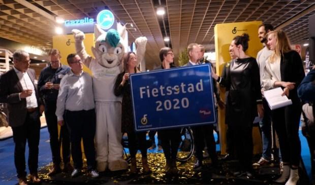 De gemeente Veenendaal kreeg vrijdag de titiel Fietsstad 2020. Scherpenzeel bleek de grootste stijger.