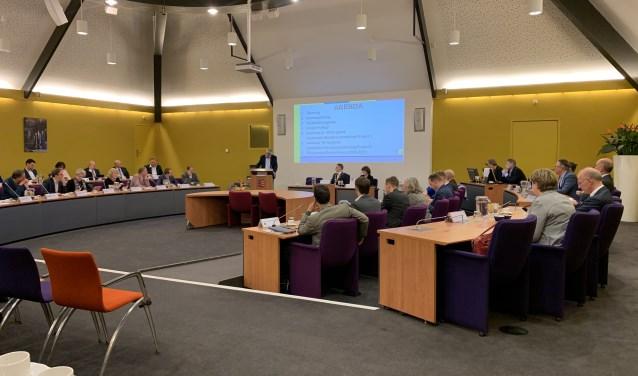De Gemeenteraad vergadert in de Raadzaal