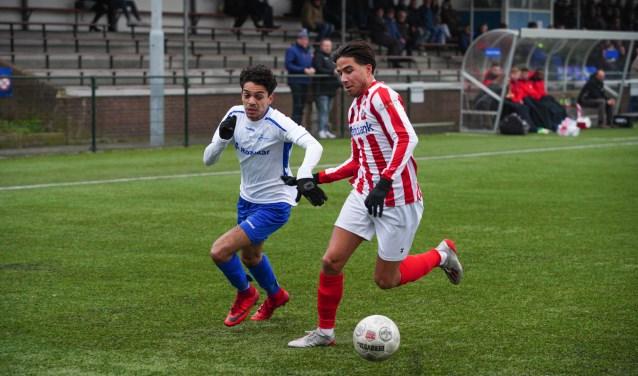 Dequillio de Gama speelt dit seizoen in het wit-blauw van SDV Barneveld. Volgend seizoen speelt de Voorthuizenaar in het blauw-wit van Veensche Boys.