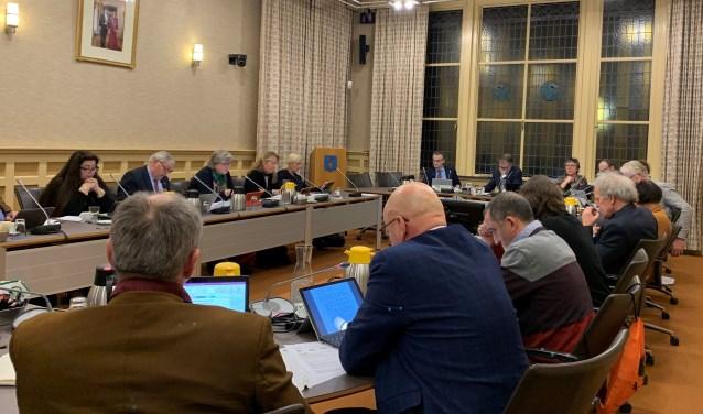 Een volle raadszaal in Baarn. Dat zal voorlopig niet het geval zijn.