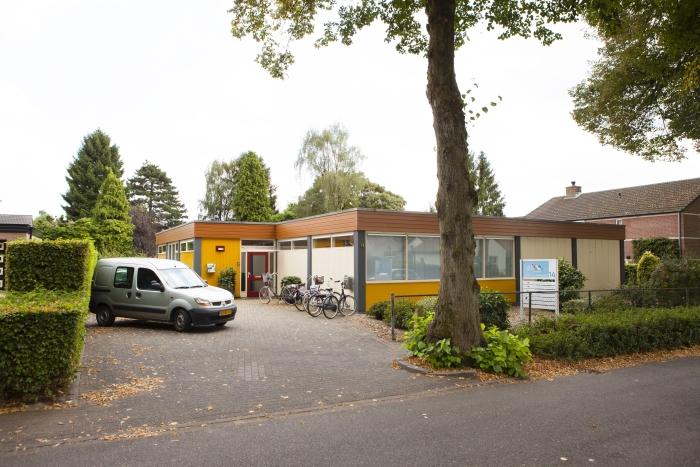 Pand PMC Helix aan de Meester Bosweg 14 in Leersum