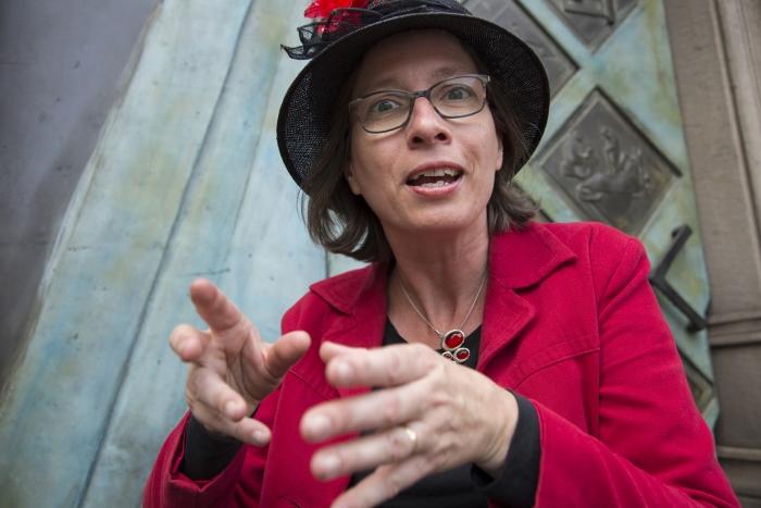 Verteller Louise Wandelaar neemt je mee door de geschiedenis van Amersfoort