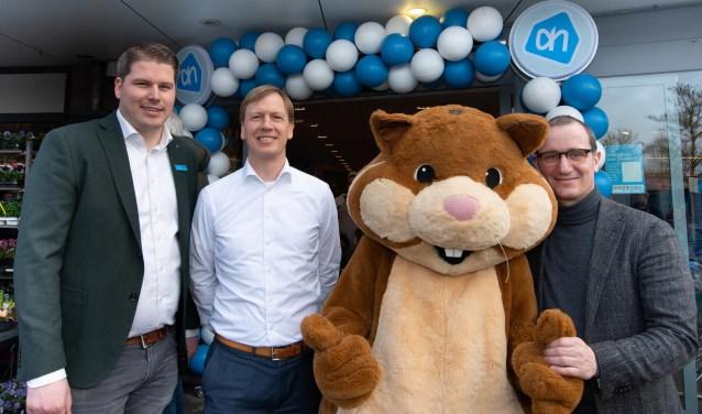 Heropening Albert Heijn De Horden. V.l.n.r. Bas Essing (supermarktmanager), Arnoud van Daalen (directeur Albert Heijn digitaal & klanten), Jeroen van der Schoot (districtmanager)