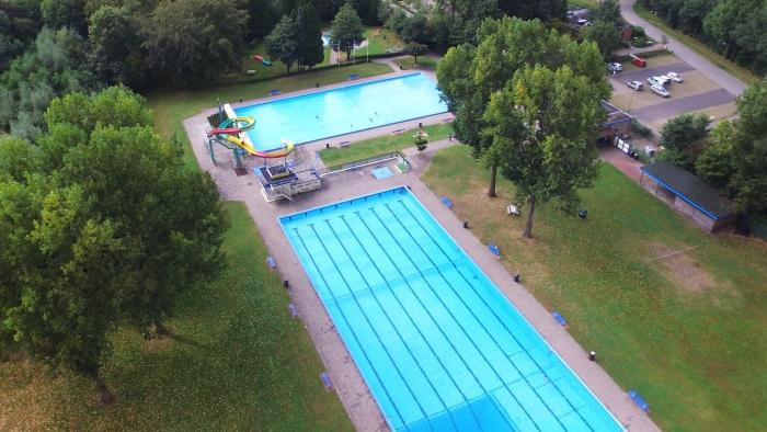 Verwarmd openlucht zwembad 't Willaer in Scherpenzeel