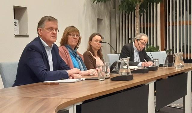 Frans Pouw (Liberalen), Leny Visser (CDA), Inge Verhoef (P21) en Ralph Hallo (BB) zijn de woordvoerders vanavond
