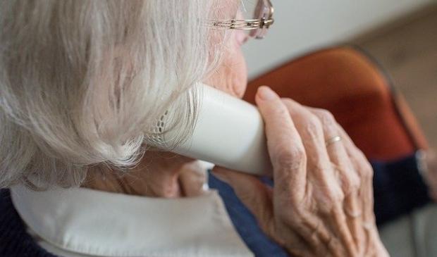 <p>Telefooncirkels kunnen ertoe bijdragen dat inwoners zich minder ge&iuml;soleerd en alleen voelen.</p>