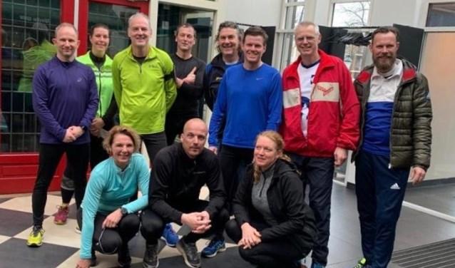 RoPaRun team de Vennepers vertrekt voor de training vanaf de Rustende Jager