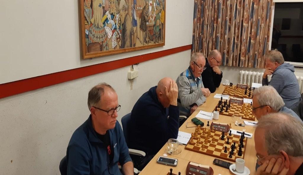 Kopman en hoffotograaf Rinus van der Molen (links) sleepte het winnende punt binnen voor BSV 1.