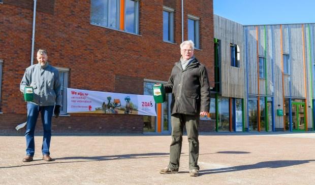 Initiatiefnemers Henk van de Bunt (L) en Ies van den Akker