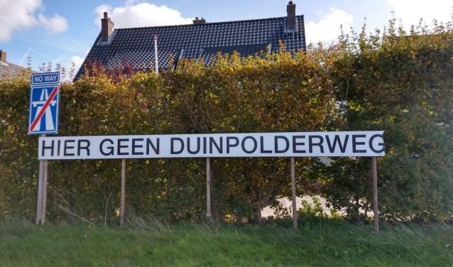 Protesten van inwoners over de ligging van de Duinpolderweg.