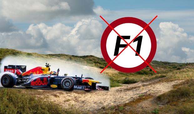 <p>Duinen met Formule 1 auto</p>
