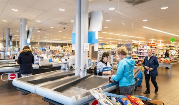 In supermarkten is momenteel veel werk. Mensen die door corona hun baan zijn kwijtgeraakt kunnen daar wellicht terecht.
