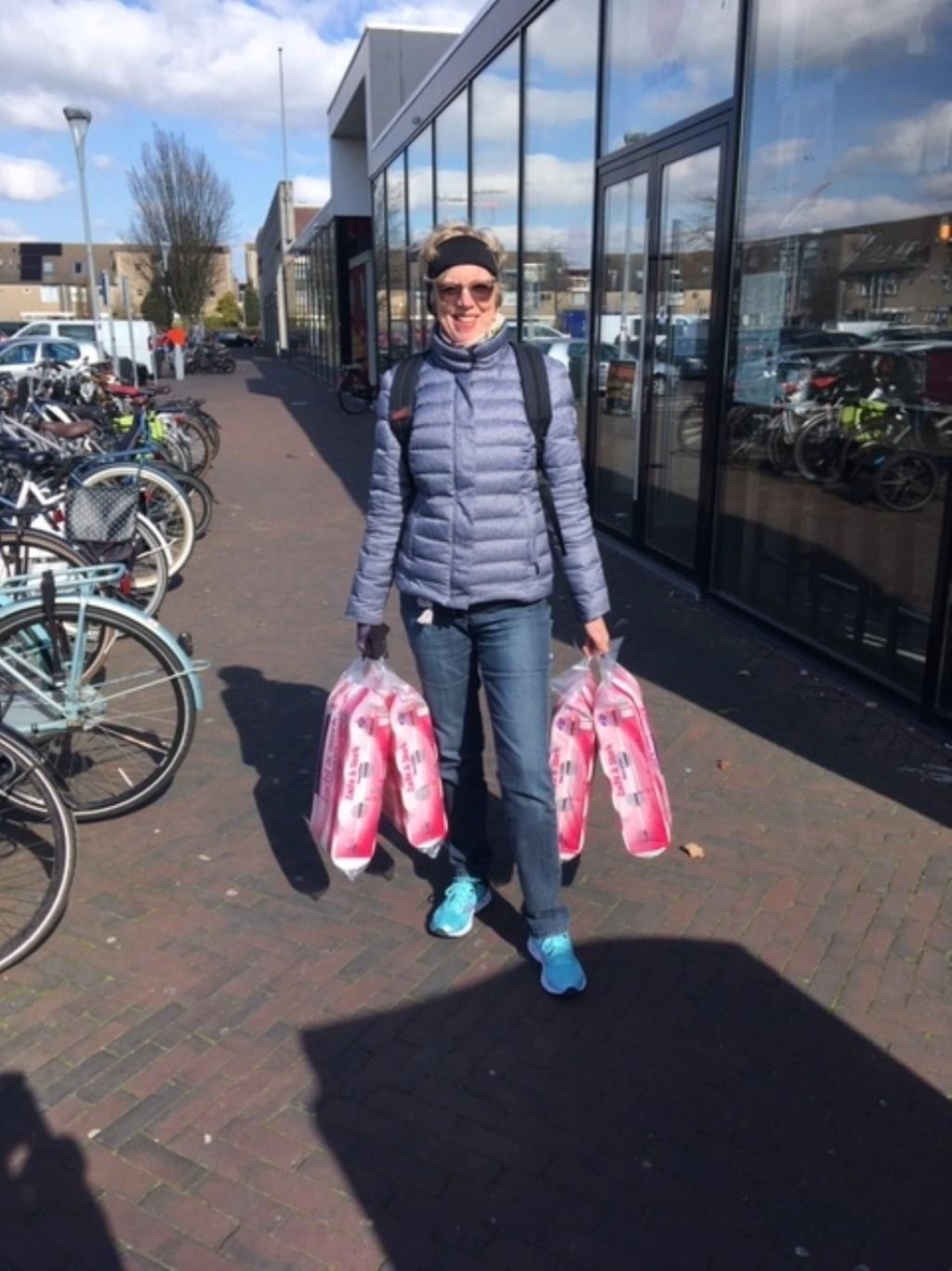 uit Hoofddorp kocht gewoon wat rollen in de aanbieding: ik ben snel naar huis gelopen. pr © BDU media