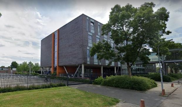 <p>Het Herbert Vissers College in Nieuw-Vennep. Als er te veel aanmeldingen zijn zal er geloot worden.&nbsp;</p>