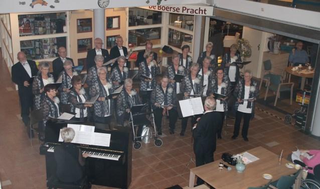 Het laatste optreden van zangvereniging Volharding in De Lange Wei.