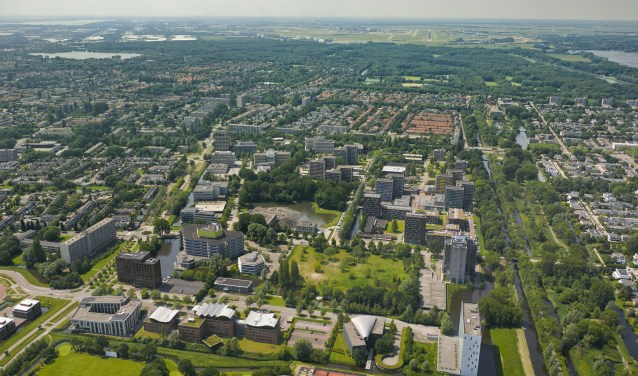 Amstelveen.Kronenburg is een kantorenwijk in Amstelveen-Noord.