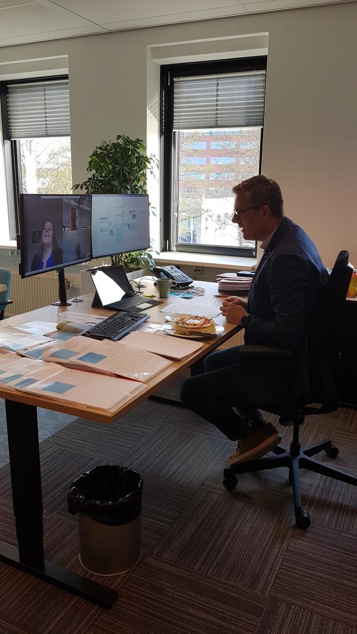 Tonny Gerritsen, directeur Lithos bouw & ontwikkeling in video gesprek met Doeschka Bos, ontwikkelmanager de Alliantie Ontwikkeling