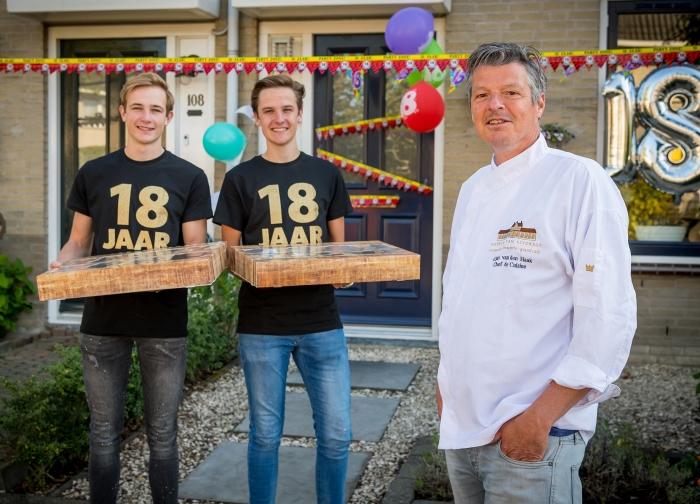 Tobias en Sjoerd met Chefkok Arjan van den Haak