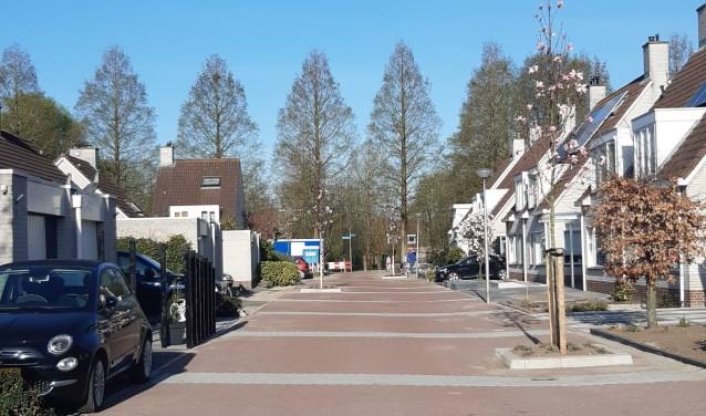 De herinrichting van de wijk Middenveer als woonerf is bijna klaar.