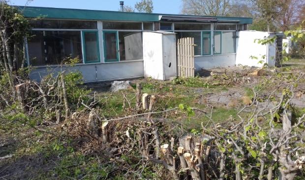 De woningen staan leeg, de bomen en struiken zijn gerooid