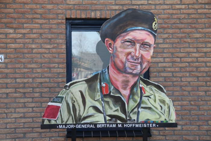 Canadese Major-General Hofmeister Gerhard H. Starke © BDU Media